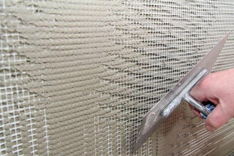 Сетка для штукатурки стен: критерии и разновидности армирующей сетки под штукатурку стен