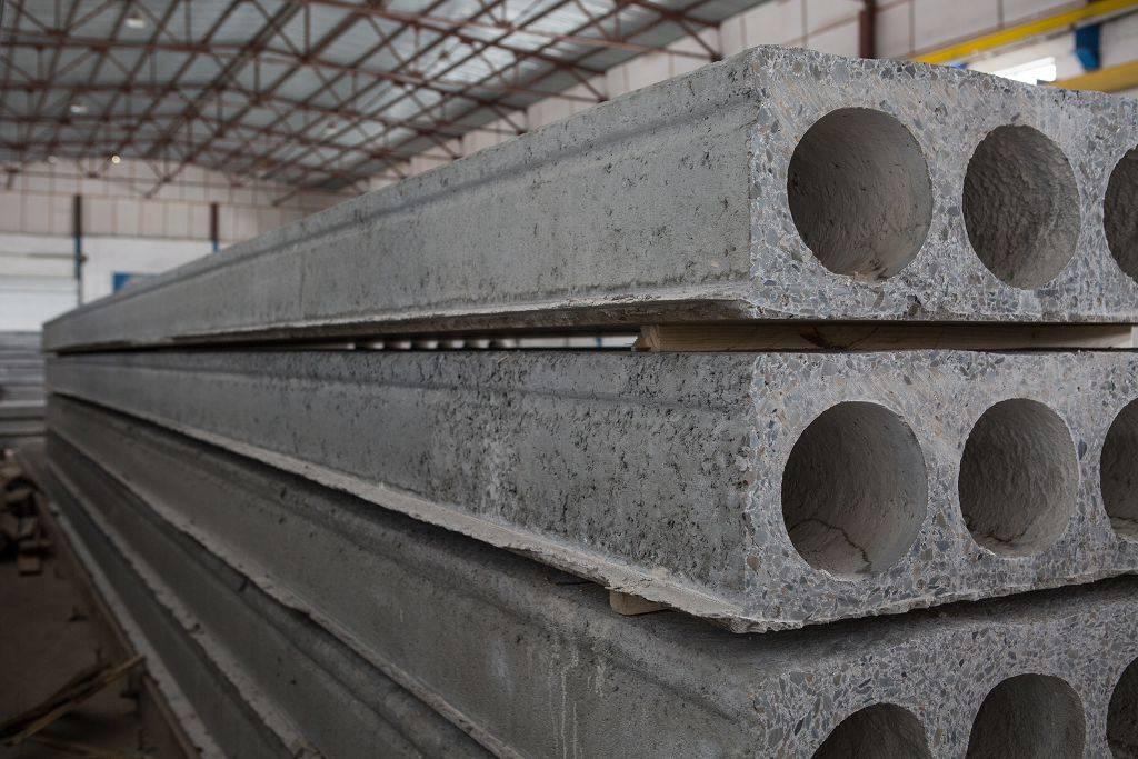 Облегченные плиты перекрытия: размеры пно, особенности многопустотных железобетонных сборных плит, процесс производства легких плит