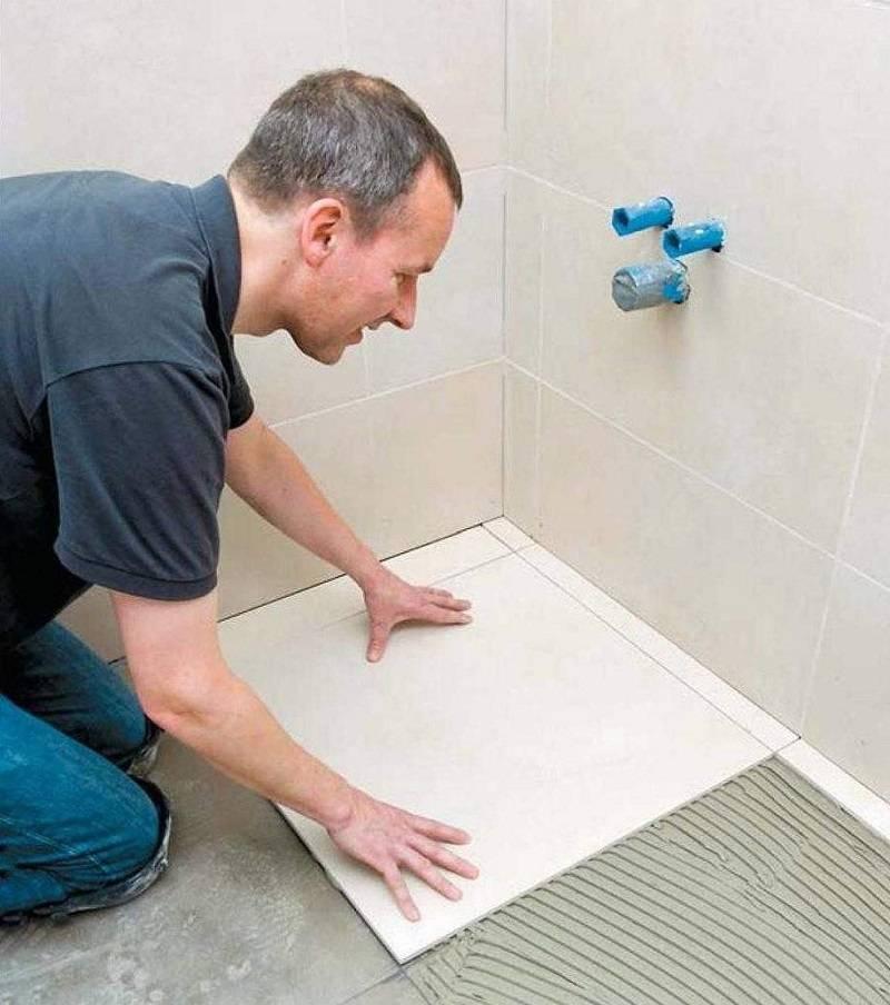 Как правильно положить плитку на пол в ванной своими руками – фото и пошаговая видео инструкция