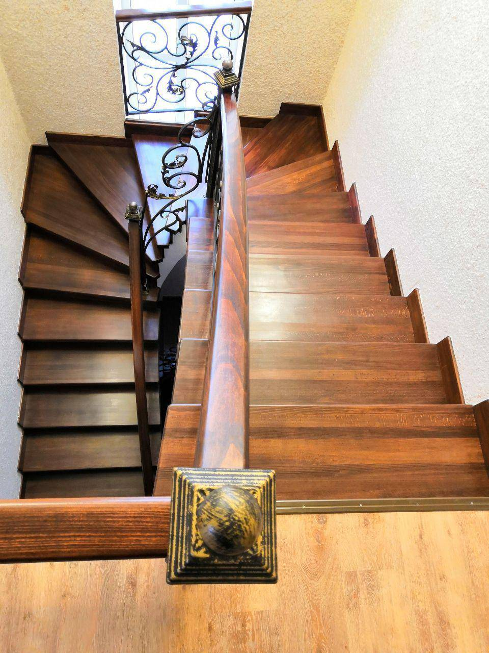 Отделка бетонной лестницы деревом своими руками — описываем по пунктам