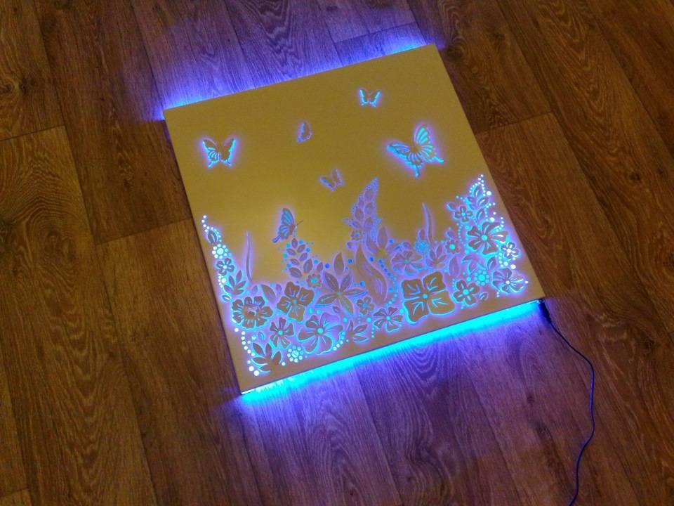 Светодиодный светильник из дерева и акрила
