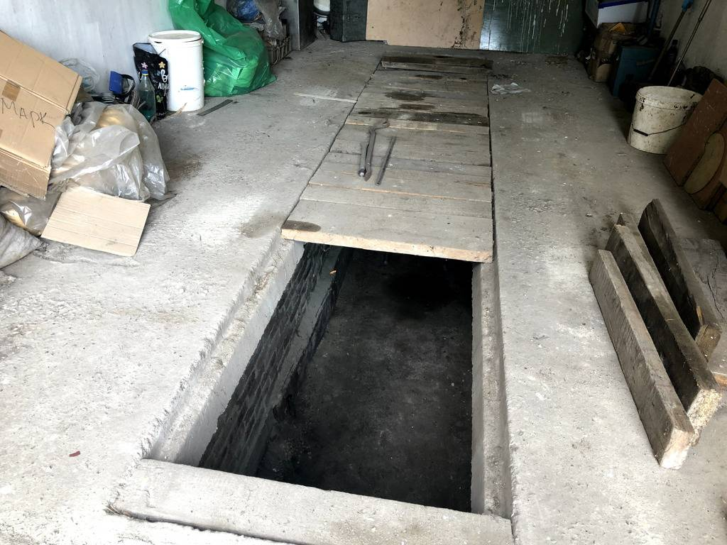 Как обустраивается смотровая яма в своем гараже