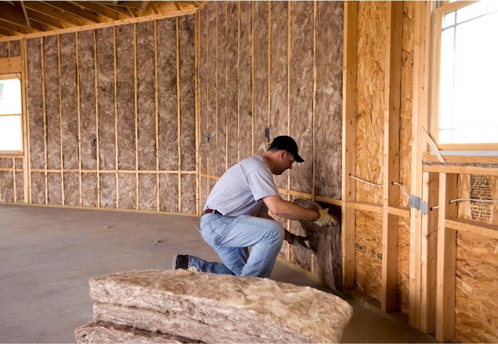 Как выбрать утеплитель для отделки стен внутри дома на даче, его свойства, последовательность утепления