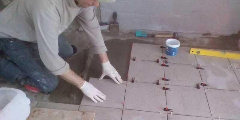 Как приклеить керамическую плитку к дереву: разные способы подготовки поверхностей