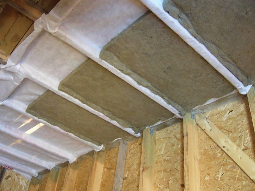 Чем засыпать потолок в бане - обзор материалов + инструкция по монтажу!