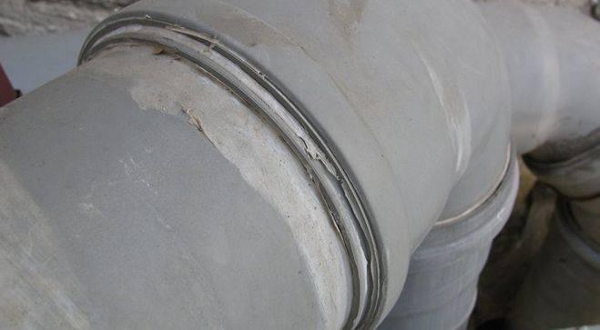 Герметик для канализационных труб: какие виды лучше и почему