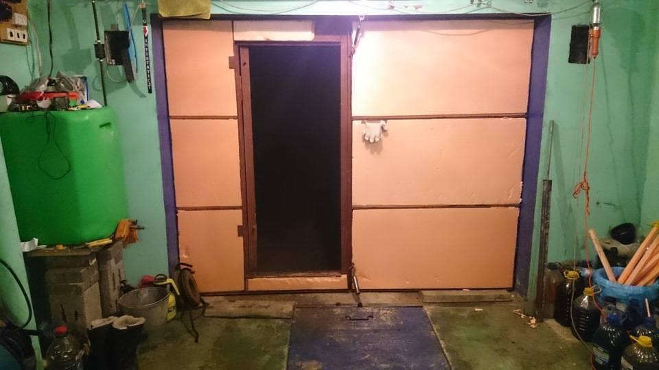 Как утеплить ворота гаража изнутри своими руками: лучшие способы, фото, видео