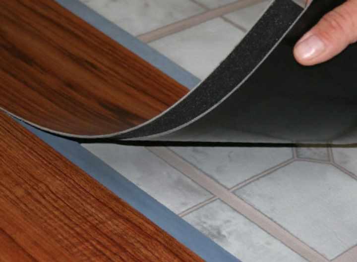 Кварцвиниловая плитка для пола: особенности выбора и укладки