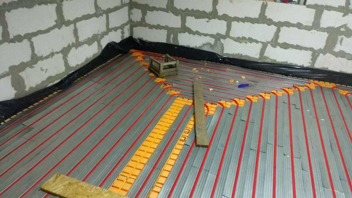 Утепление пола: как утеплить керамзитом бетонное напольное покрытие в квартире, пеноплекс и пенополистирол для теплого пола