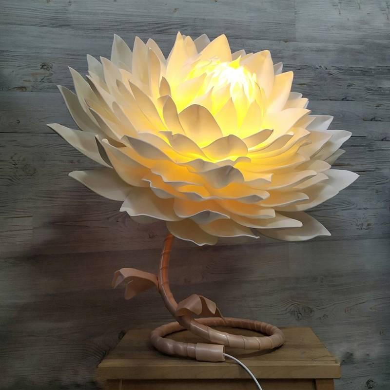 Светильник из изолона: как сделать своими руками большую ростовую розу, настенный или напольный ночник, что для этого нужно и пошаговая инструкция