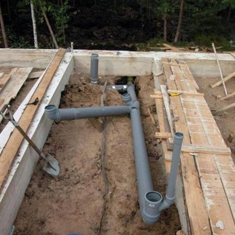 Канализация в деревянном доме своими руками: как сделать, как провести, монтаж конструкции