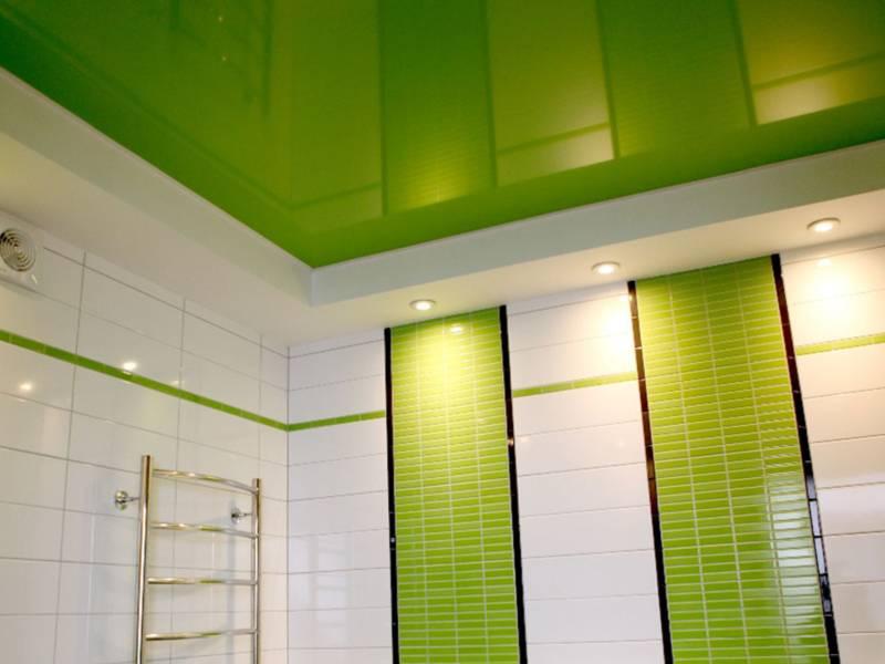 Какой потолок в ванной лучше: виды и варианты устройства, фотопримеры и видео