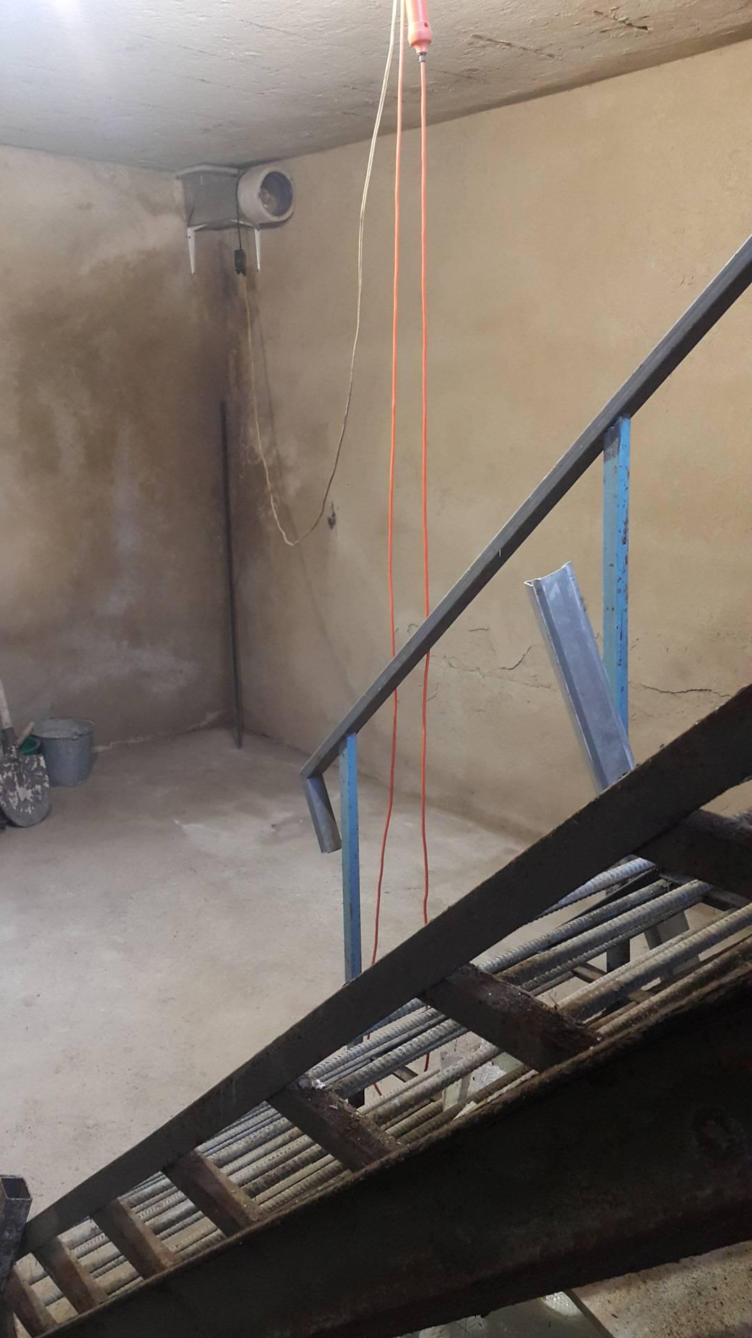 Как эффективно просушить погреб от влаги и конденсата?
