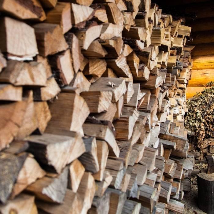 Как правильно топить баню: советы по выбору дров, подготовке печи и ее растопке