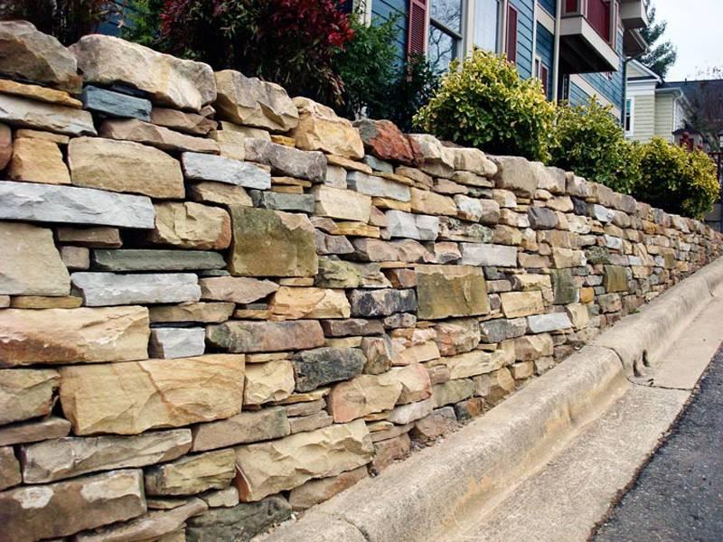 Забор из камня своими руками