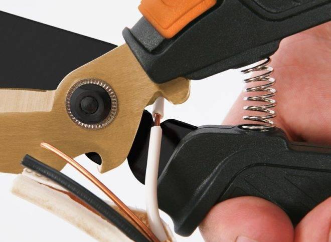 Как зачистить провода от изоляции. зачистка для проводов: способы и специфика удаления изоляции с кабелей и проводов