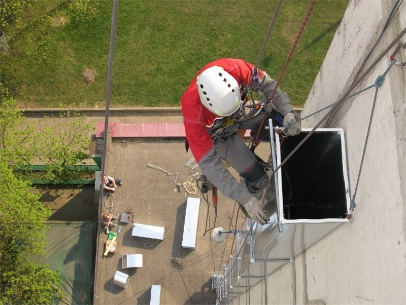 Крепление воздуховодов к стене: варианты фиксации, наращивание длины, инструкция к работе, особенности