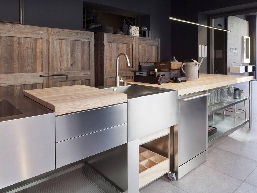 Дизайнерские решения при использовании мебели из обожженного дерева в интерьере