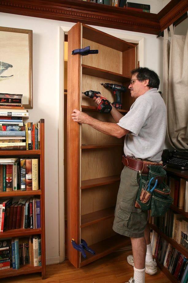 Шкафы вокруг дверного проема (35 фото): шкаф вдоль стены с дверью в прихожей, мебель с антресолями