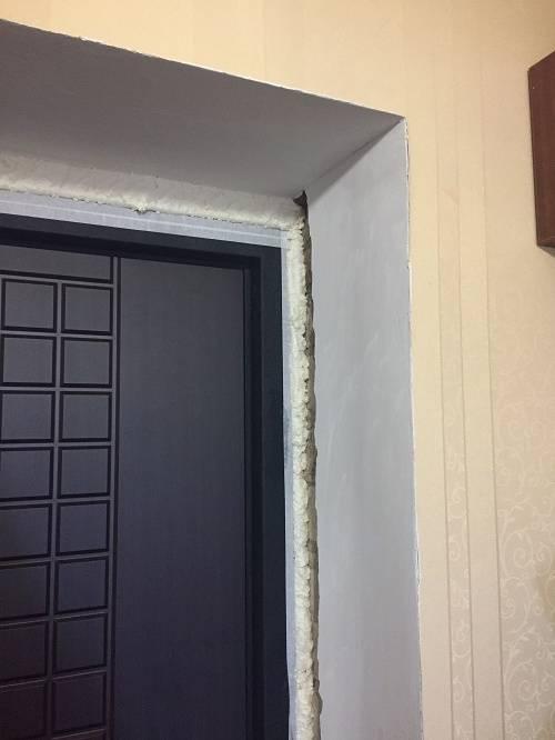 Какие откосы лучше для входной двери