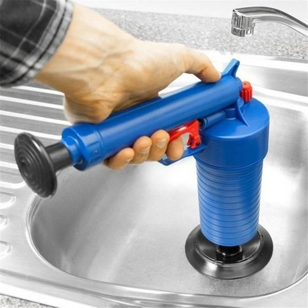Как прочистить унитаз тросом: инструктаж и правила работы сантехническим тросом