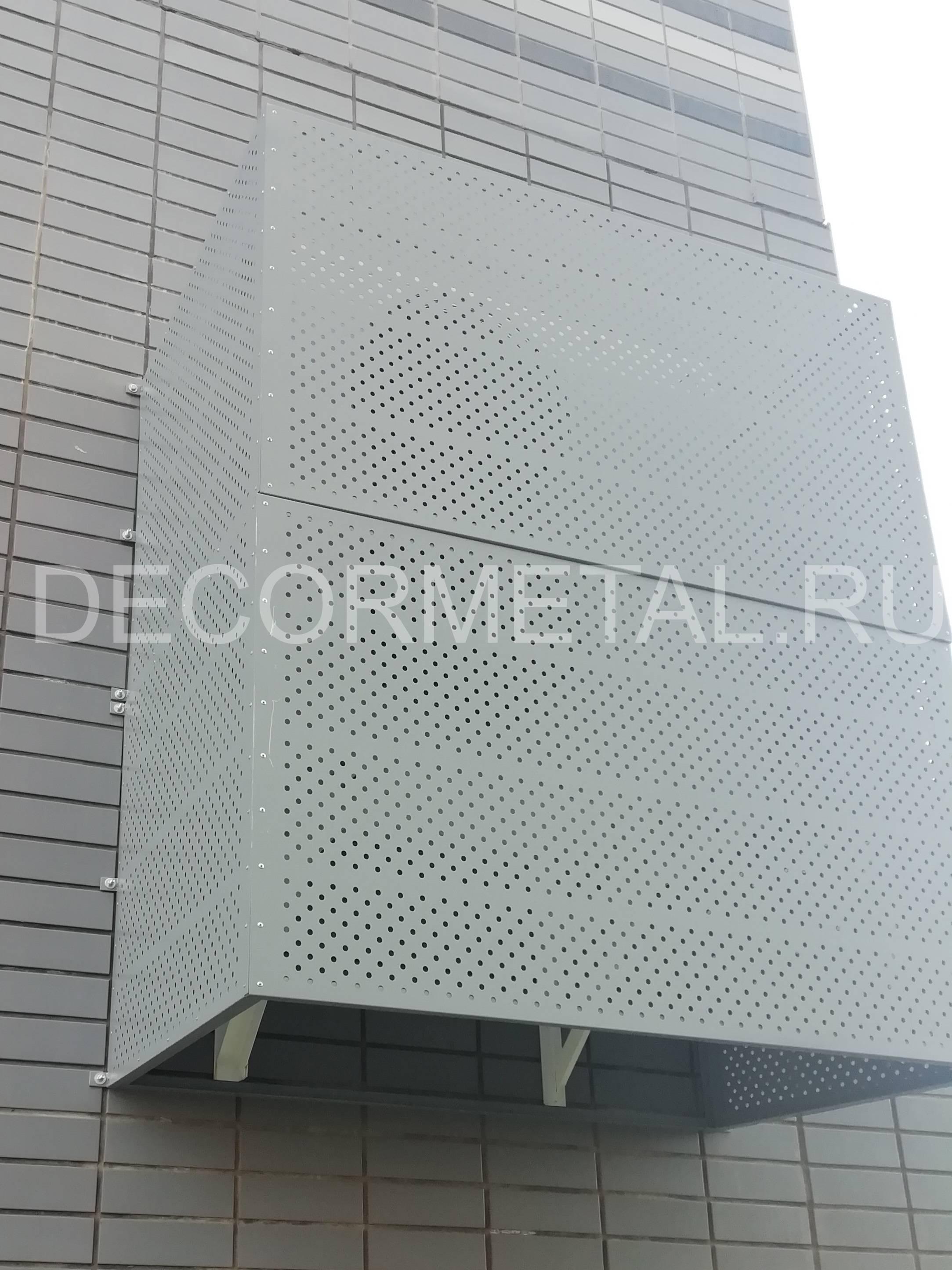 Корзины и короба для кондиционеров на фасаде здания: назначение и функции