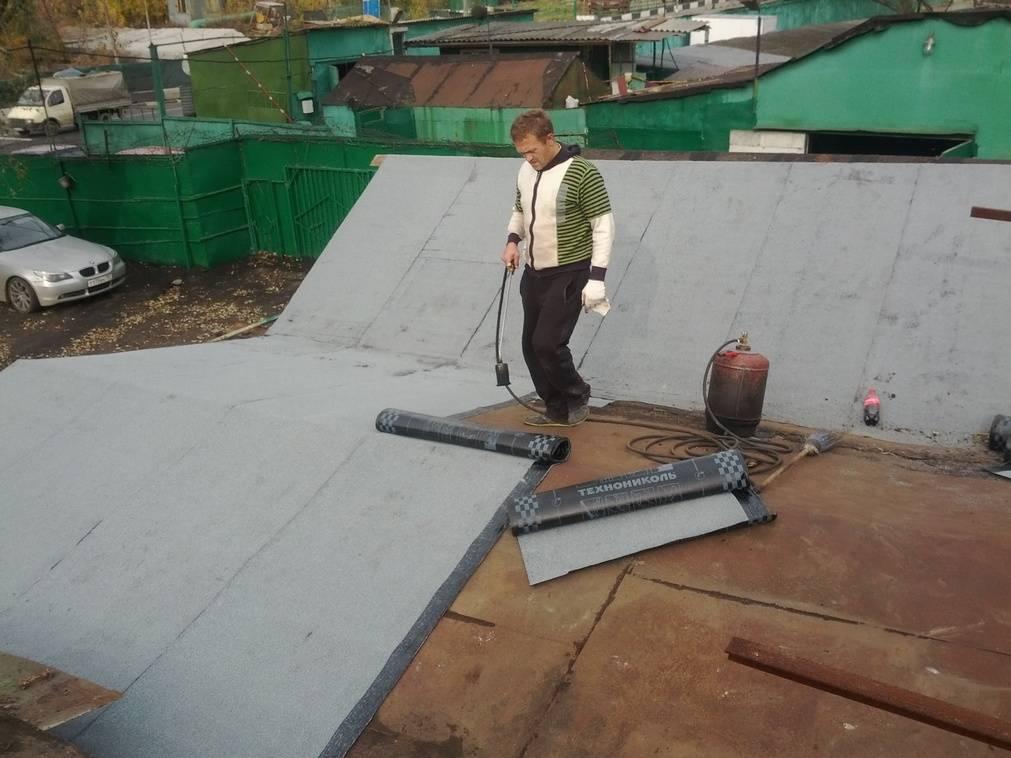 Как покрыть крышу гаража рубероидом своими руками — фото, пошаговое видео