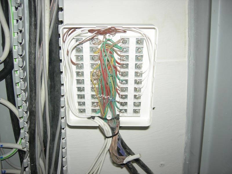 Каким кабелем или проводов подключать домофон в доме