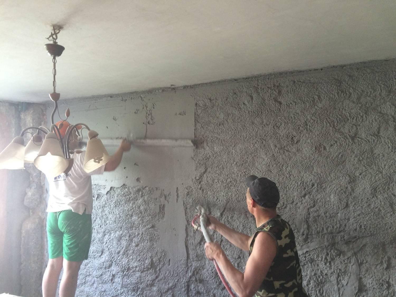 Тонкости штукатурки потолка