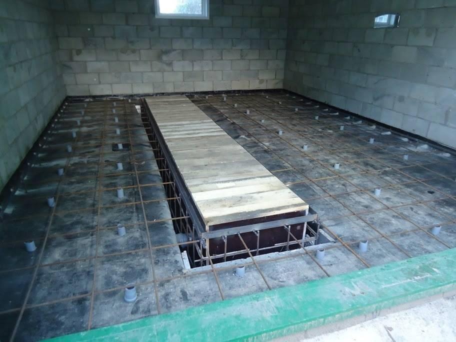 Заливаем пол в гараже бетоном своими руками