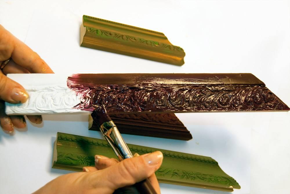 Как покрасить потолочный плинтус: видео-инструкция по окраске