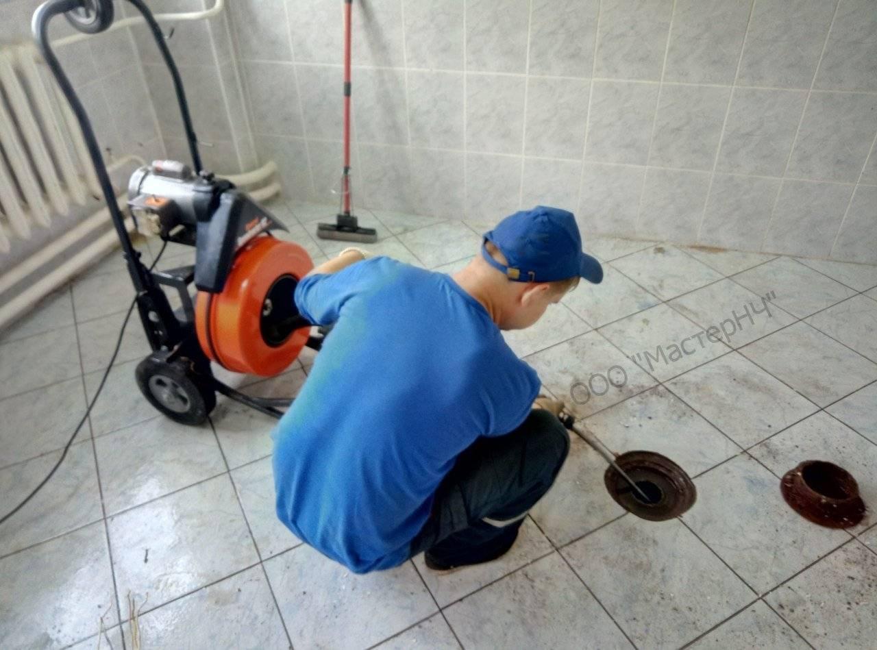 Засорилась канализация – что делать: засор канализации в частном доме, как пробить, чистка засоров, как прочистить засор в канализационной трубе, пробивка