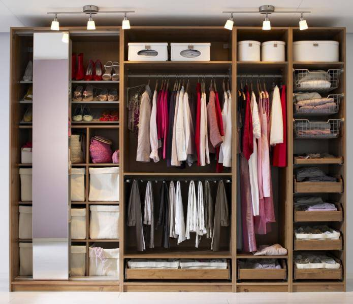 Встроенный шкаф-купе в прихожую – стильное решение в дизайне интерьера