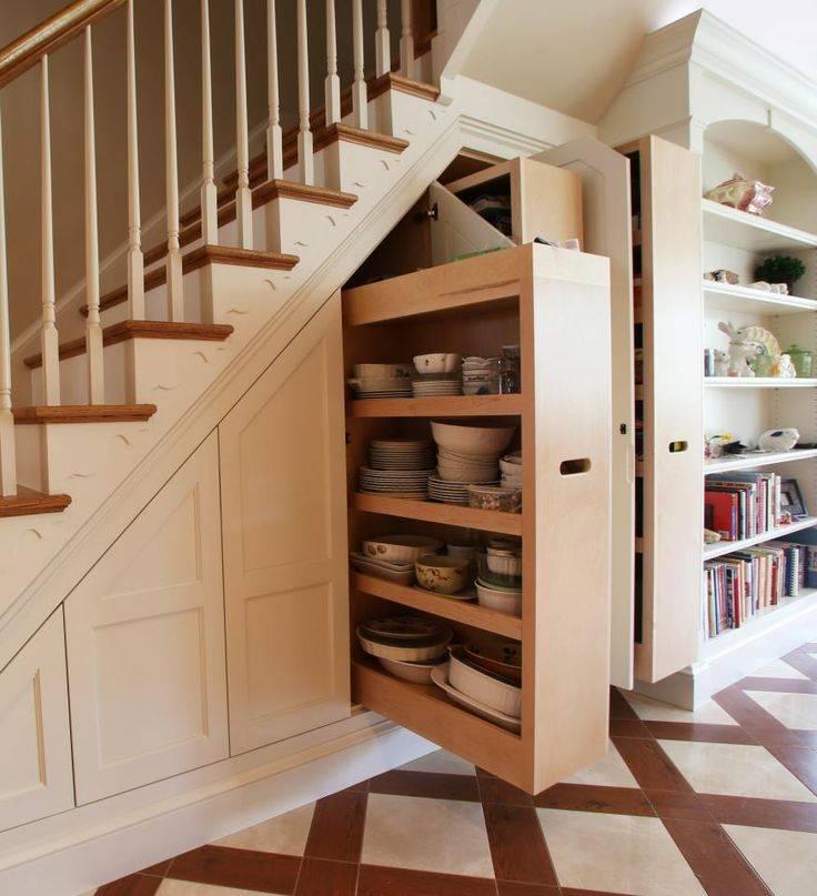 Шкафы под лестницей в доме: 15 красивых и недорогих идей