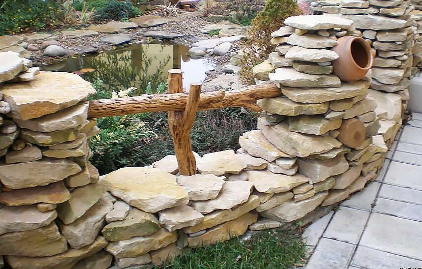 Как сделать забор из камня своими руками: пошаговая инструкция с фото и видео