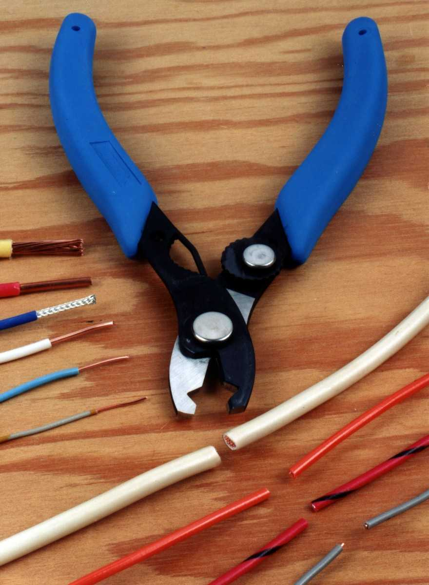 Как быстро снять изоляцию с кабеля или провода » сайт для электриков - советы, примеры, схемы