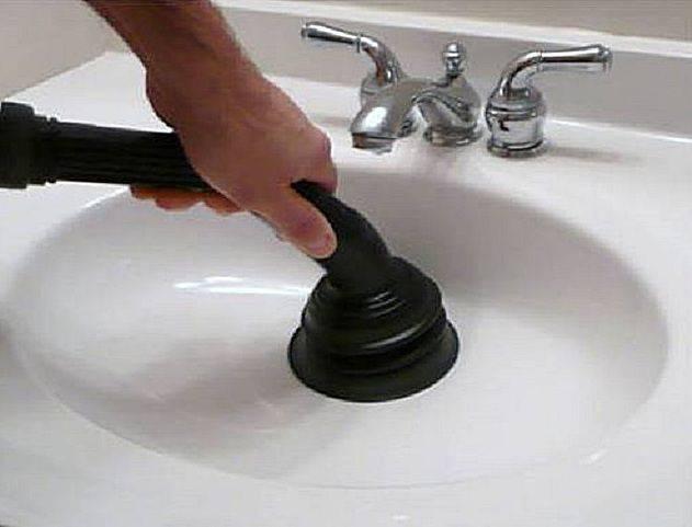 Засорилась раковина на кухне: что делать, какие средства и инструменты применить - пошаговая инструкция по избавлению от загрязнений в кухонном водост