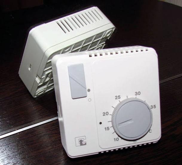 Комнатный термостат для газового котла: механические, электромеханические и электронные терморегуляторы