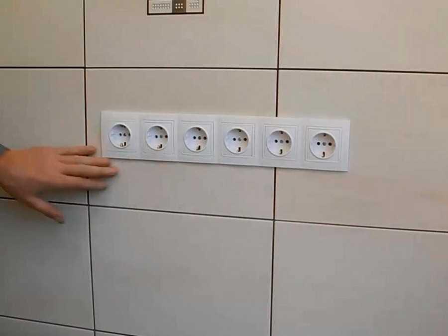 Как установить блок розеток в стене: инструкция + фото
