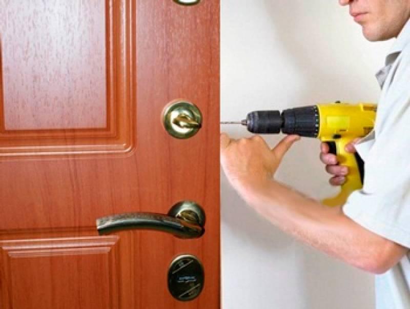 Виды стекла и варианты чем можно заменить, советы как разобрать и установить в межкомнатную дверь
