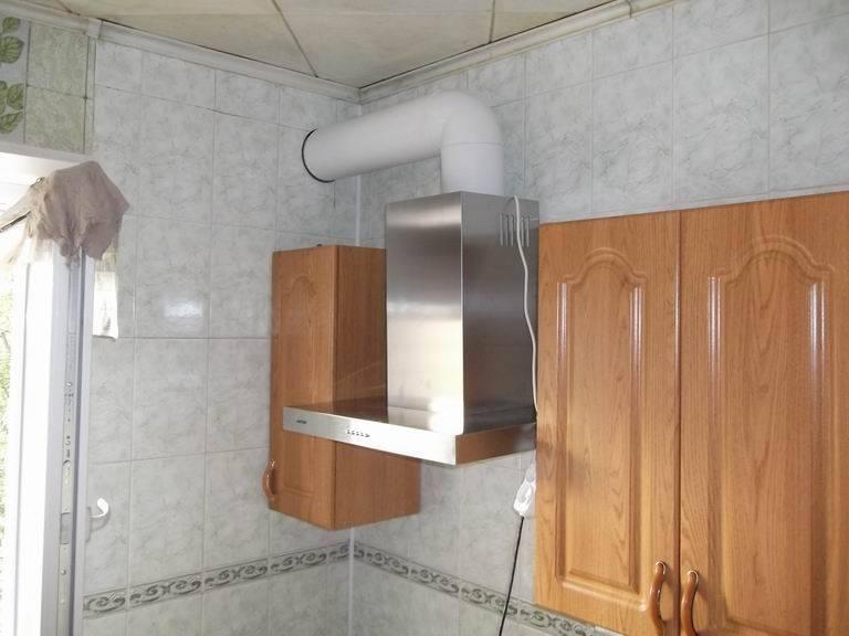 Высота установки вытяжки над плитой: требования и нормы