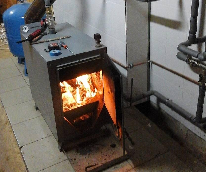 Все об отоплении дома дровами