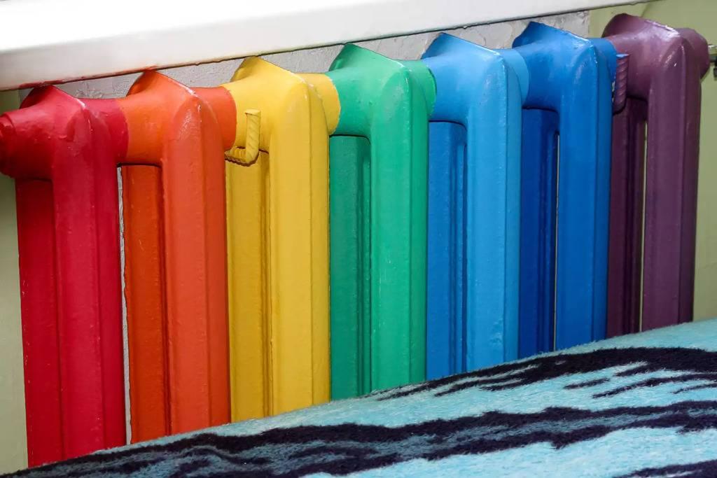 Как покрасить батарею отопления: выбираем краску и правильно окрашиваем своими руками