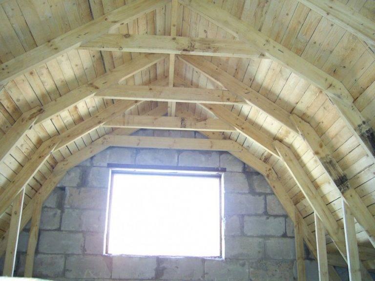 Варианты устройства мансардной крыши – что необходимо учесть и как построить