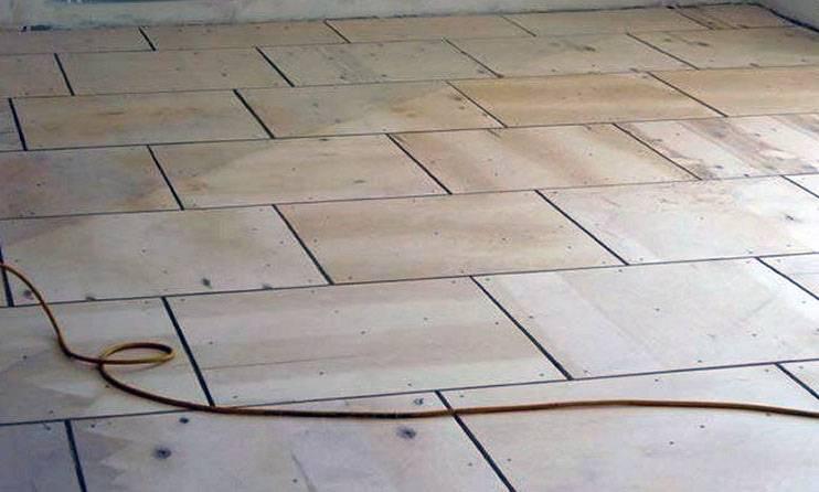 Укладка фанеры на деревянный пол: основные правила