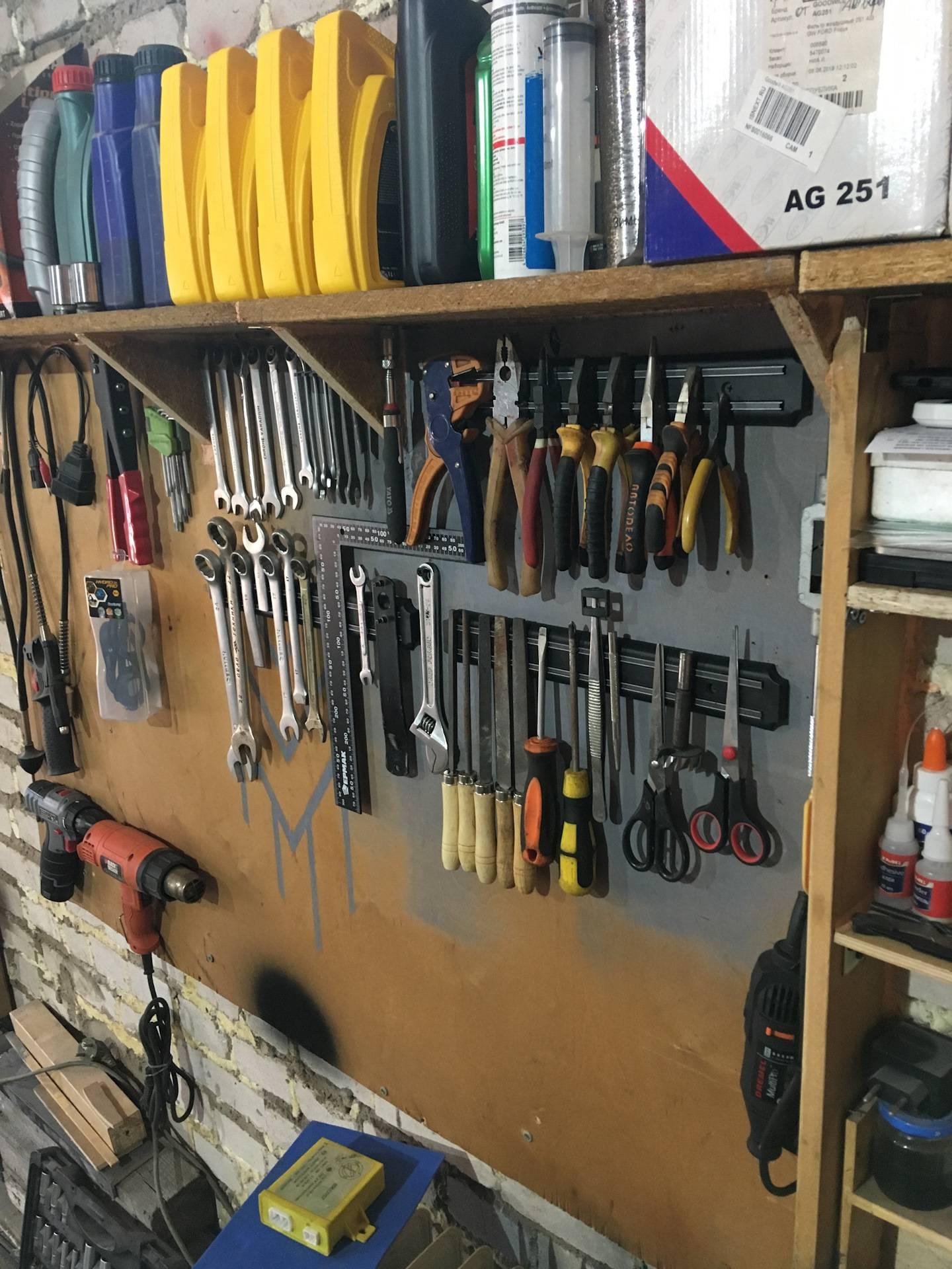 Обустройство гаража (87 фото): как обустроить внутри своими руками, как оборудовать пространство, обустраиваем гараж