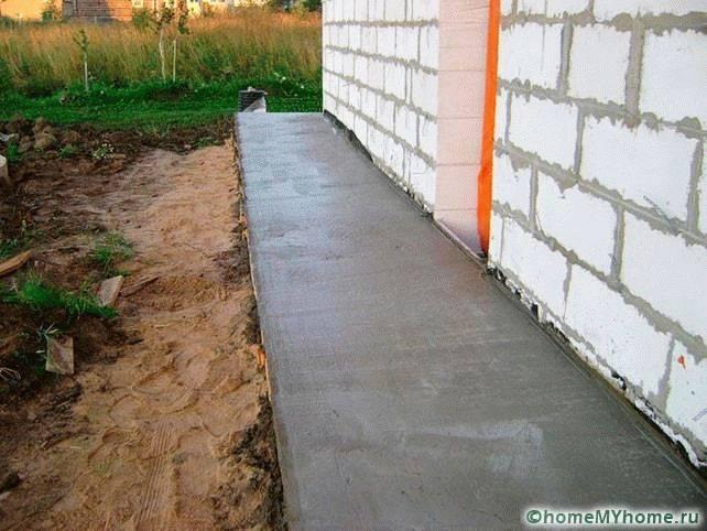 Отмостка из бетона. ремонт отмостки из бетона. как предотвратить разрушение статьи