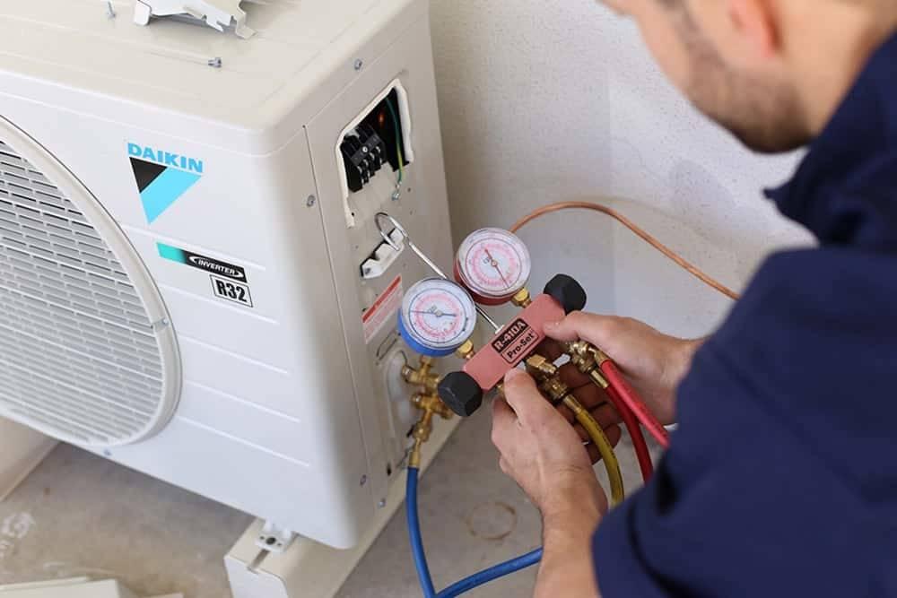Заправка фреоном кондиционера: как заменять фреон в бытовых или промышленных кондиционерах