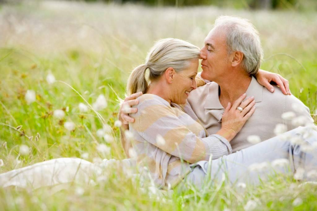 Как сохранить любовь: в отношениях, на расстоянии, в браке, на долгие годы, советы психологов.