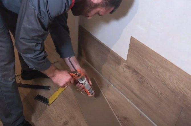 Как крепить ламинат на потолок своими руками, чем приклеить материал, особенности монтажа, фото и видео примеры